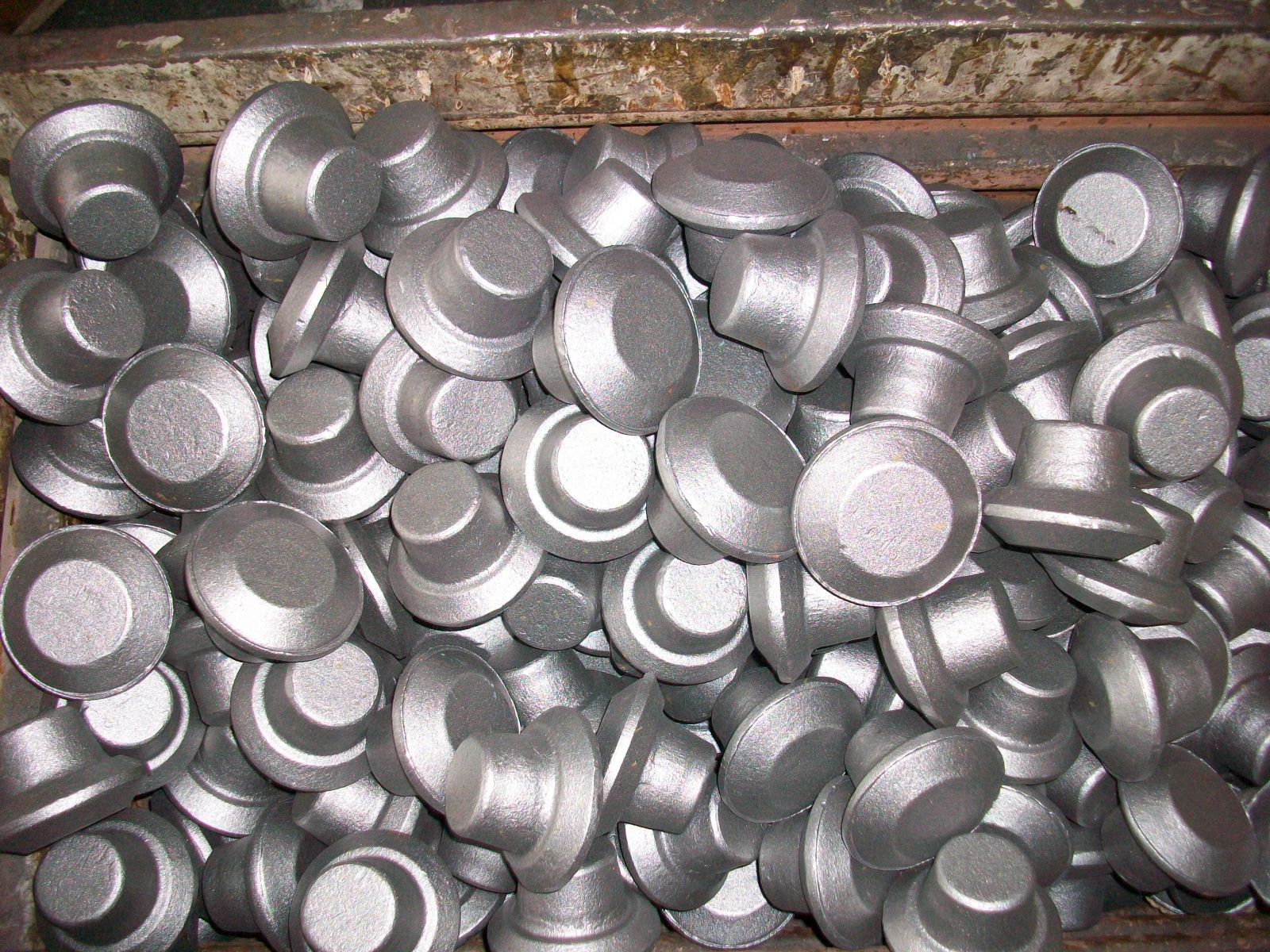 closed die forgings forged on CNC forging hammer